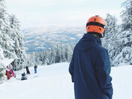 Seizoenswerk in de sneeuw